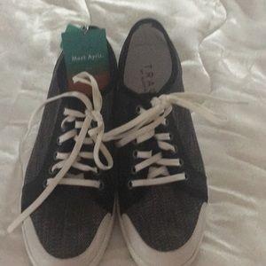 Algeria sneakers
